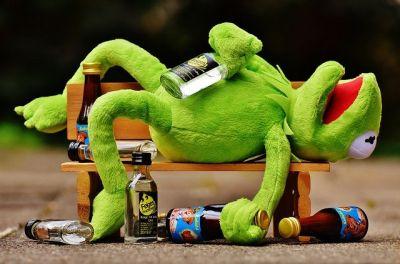 Гайд: какие лекарства нельзя смешивать с алкоголем