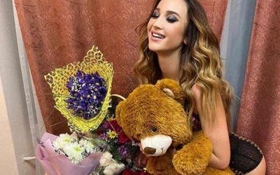 Ольге Бузовой в Новосибирске подарили медведя