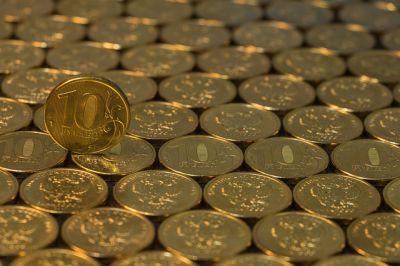 За 2020 рубль подешевел на 17% по отношению к доллару