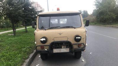 Новосибирцу залили УАЗ монтажной пеной