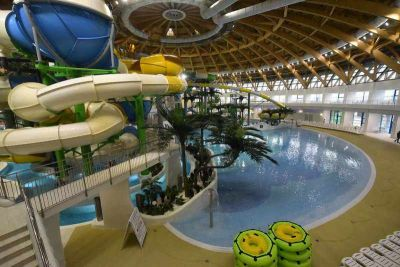 Сотни сибиряков не могут попасть в аквапарк Новосибирска