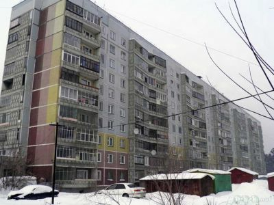 Десятиэтажный дом затопило в Новосибирске из-за прорыва трубы
