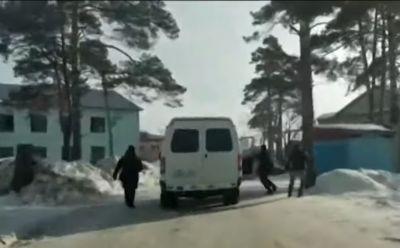 Задержание ограбивших ветерана ВОВ новосибирцев попало на видео