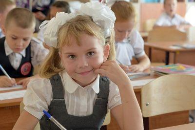 Названо число больных COVID-19 в школах и вузах Новосибирской области