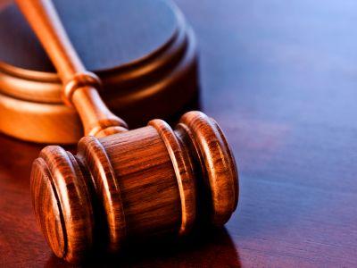 Экс-полицейский заплатит государству 400 тысяч рублей за произвол в отношении новосибирца