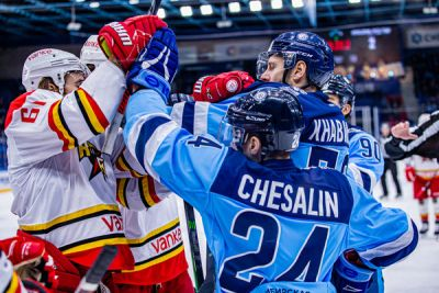 «Сибирь» проиграла аутсайдеру КХЛ