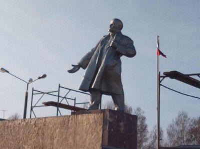 Это Владимир Долгорукий: новая рука Ленина рассмешила сибиряков