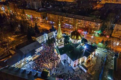 По возможности не посещать храмы в Рождество посоветовали в РПЦ