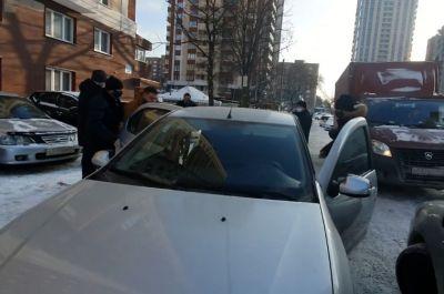 Депутата и главу штаба Навального в Новосибирске увезли в спецприемник