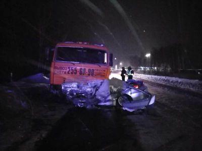 Машина превратилась в фарш: подробности ДТП в Дзержинском районе