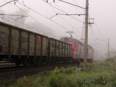 Поезд превратил УАЗ в кабриолет на перегоне под Новосибирском