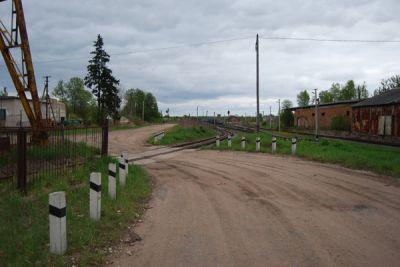 Новосибирские железнодорожники нашли 18 нелегальных переездов через пути