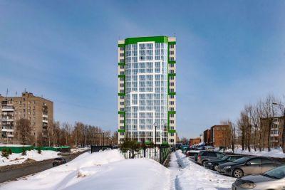 В Новосибирске возводится дом-клон со стеклянным углом