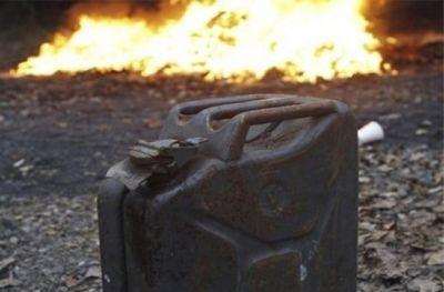 Облил бензином и поджег: новосибирцу грозит пожизненное за убийство знакомого