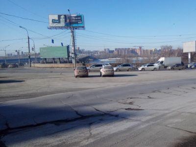 Петицию с требованием отремонтировать дороги Новосибирска подписали 10 тысяч пользователей