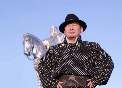 Президент списал все кредиты всем пенсионерам в Монголии