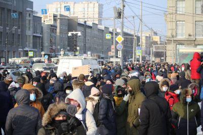 Космонавты и митинг за Навального: лучшие фото из Новосибирска