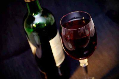 Врачи рассказали о вреде комбинации некоторых продуктов и алкоголя