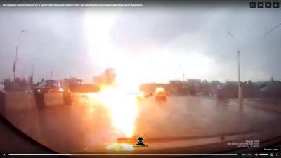 Молния ударила по автомобилю на шоссе в Новосибирске