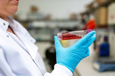 Тесты на коронавирус: Россия на четвертом месте в мире и ускоряется