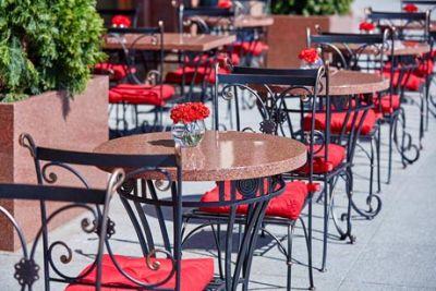 Кафе и рестораны сибиряки начнут посещать по новым правилам