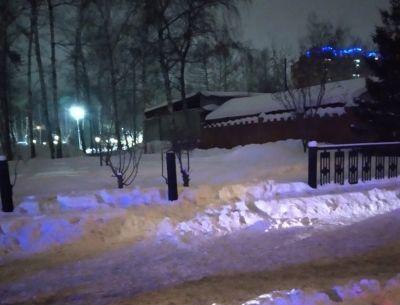 Новосибирцы попались на краже забора у Центрального парка
