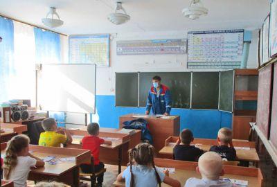 Школьные каникулы — повод повторить правила электробезопасности с детьми