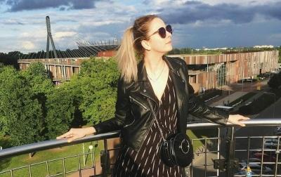 Барнаульская «экстремистка» Мария Мотузная вернулась в Россию