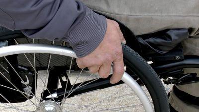 Сибирячку в инвалидном кресле выгнали из маршрутки