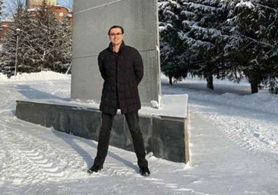 Актёр Сергей Безруков гулял по Новосибирску без шапки