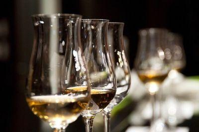 В России предложили легализовать продажу алкоголя в Интернете