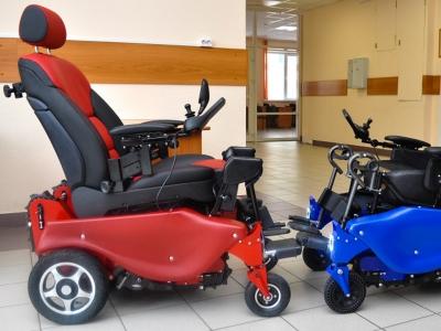 Испытания первой в России коляски-вездехода попали на видео