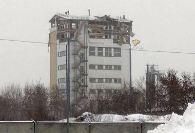 Взрыв уничтожил два этажа здания в Новосибирске