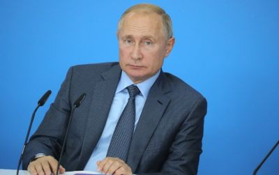 «Скучно, девочки»: Путин дал ответ про дом в Геленджике и акции протеста