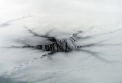 Ушли под лёд: мать с ребёнком неудачно скатились с горки в Омске