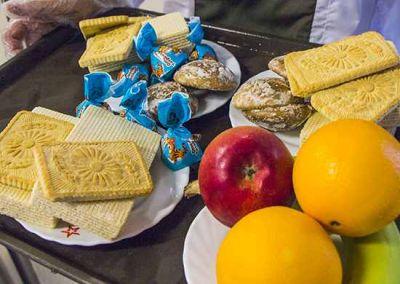 Фрукты и шоколад добавили в меню новосибирских срочников