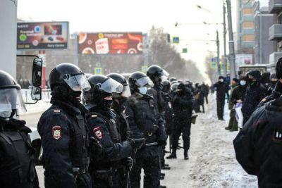 На акции в поддержку Навального в Сибири было задержано более 240 человек