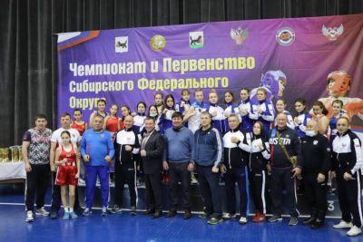 На первенстве СФО по боксу победили две спортсменки из Новосибирска
