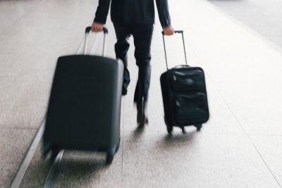 Новосибирский неплательщик погасил долг в 1 млн ради поездки за границу
