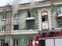 Один человек погиб, другие выбежали из горящего дома в Новосибирске