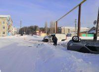 Авто с 4-летним ребенком внутри перевернулось под Новосибирском