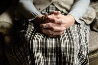 Обокравшую ветерана ВОВ соцработницу осудили под Новосибирском
