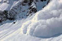 МЧС предупредило об опасности схода лавин в горах Алтая
