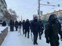 Сотни силовиков собрались на Красном проспекте в день протестной акции