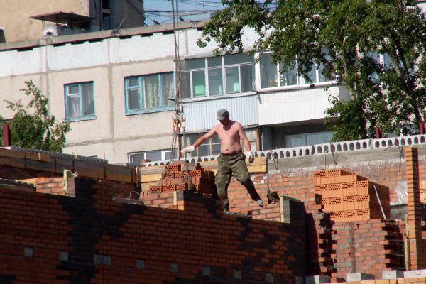 Власти Новосибирска ожидают сокращение рынка строительства жилья на 22% по итогам года