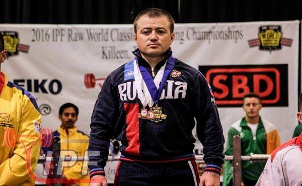 Новосибирский спортсмен поднял 669,5 килограммов и стал абсолютным чемпионом мира (видео)