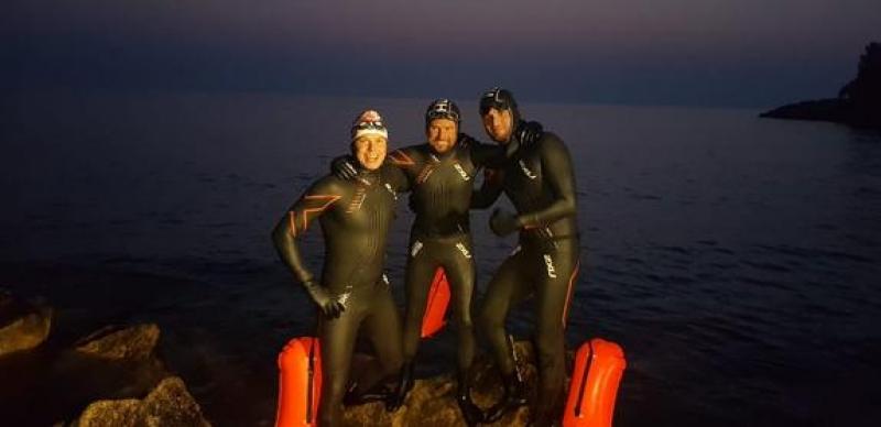 Пловцы завершили рекордный заплыв «За чистый Байкал»: они преодолели дистанцию в 45 км