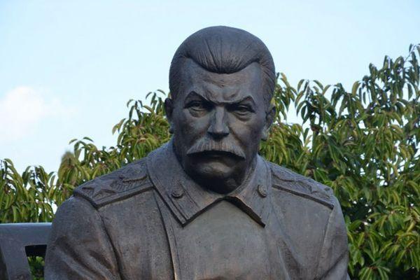 Восемь новосибирцев предложили установить в городе бюст Сталину