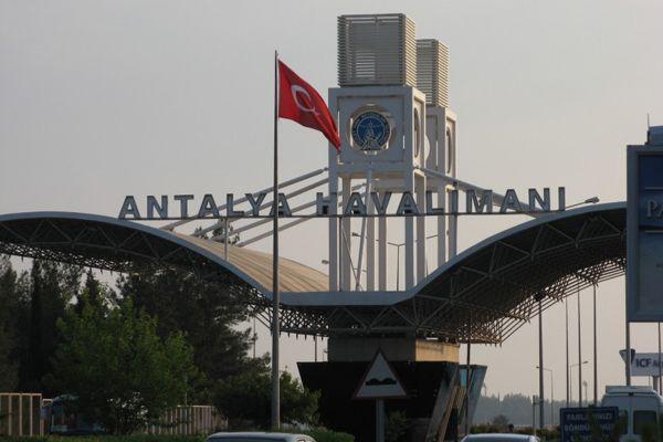 Новосибирцам можно не ждать чартеров в Турцию, регулярные рейсы — в режиме ожидания