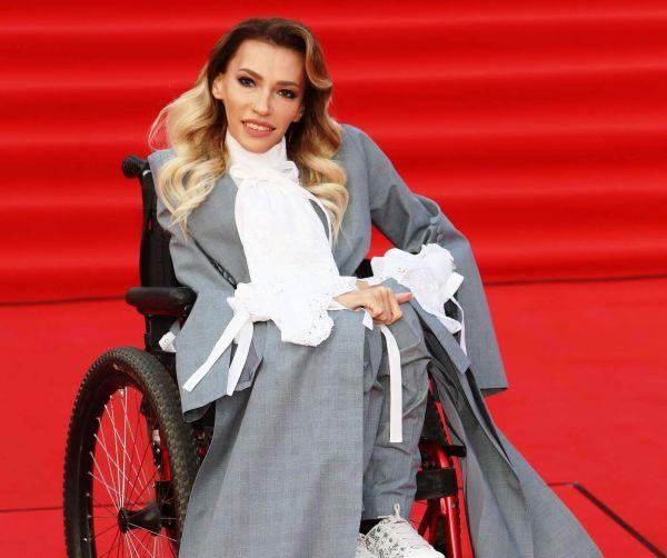 Участница Евровидения Юлия Самойлова рассказала о тяжелом детстве